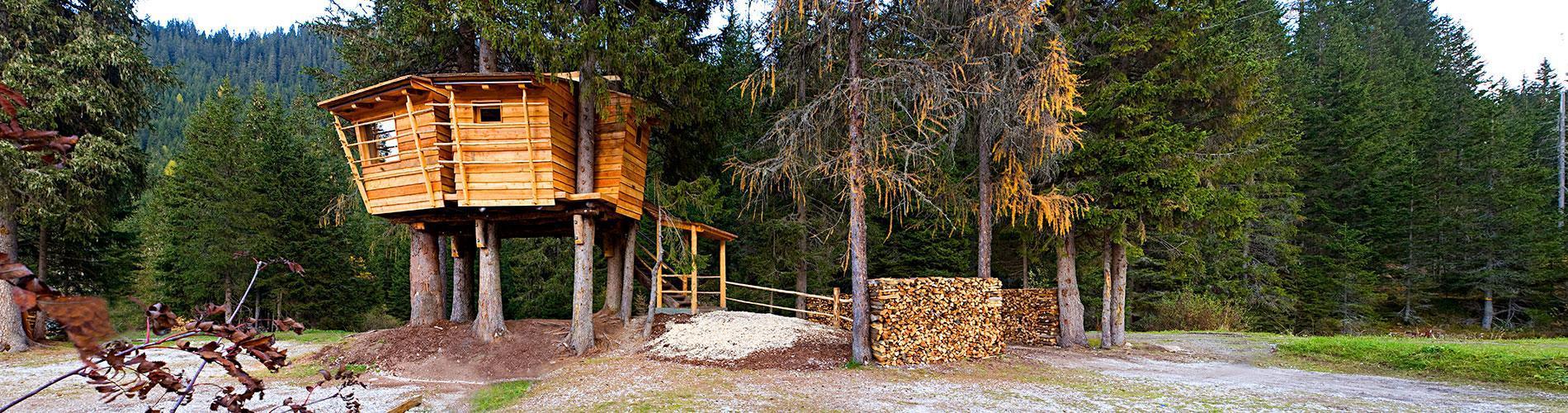 Campeggio e hotel con case sull\'albero in Alto Adige