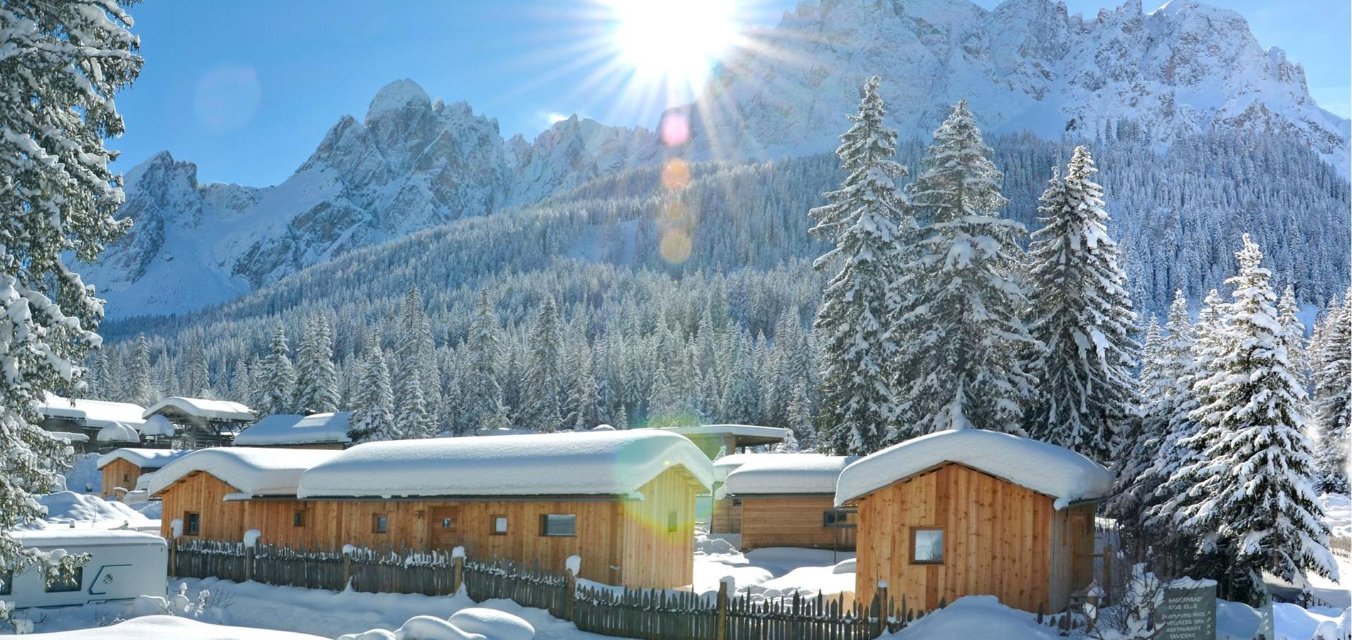 caravanparksexten-lodge-aussen-winter-0001