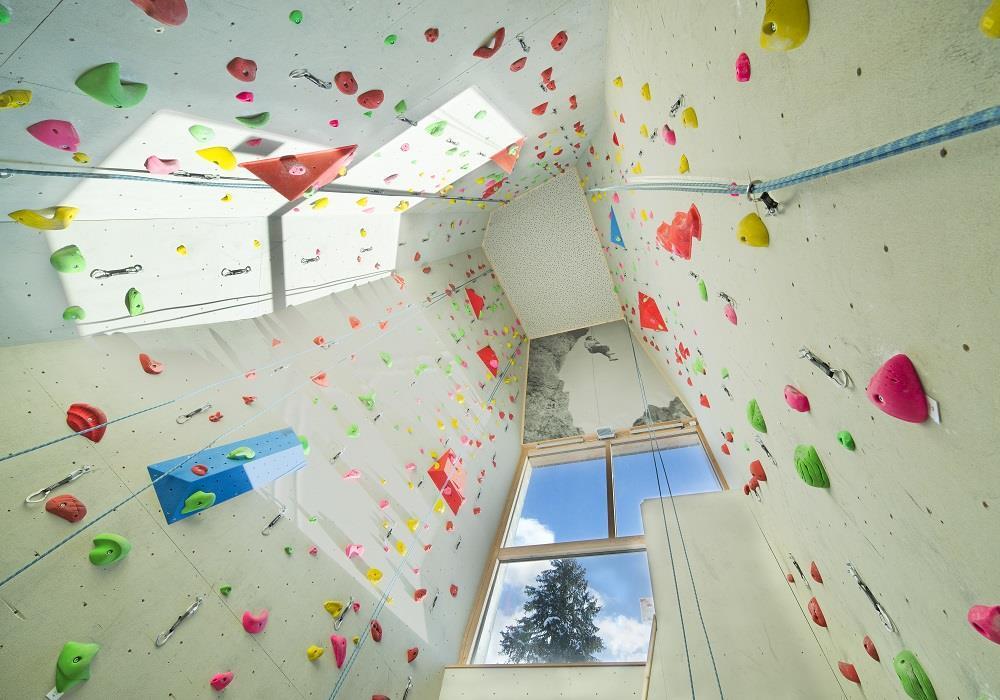 Kletterausrüstung Für Hunde : Indoor kletterhalle in sexten im hochpustertal